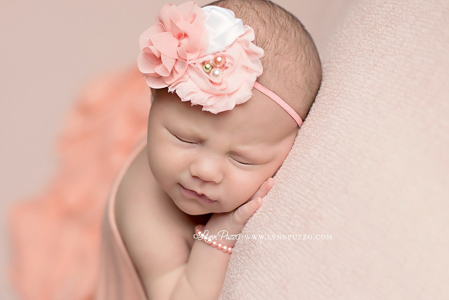 newborn, newborn session, newborn photographer, newborn pictures, newborn baby, newborn photographer, ct newborn photographer, cute baby pics, lynn puzzo photography, connecticut newborn photographer, manchester ct  newborn photographer