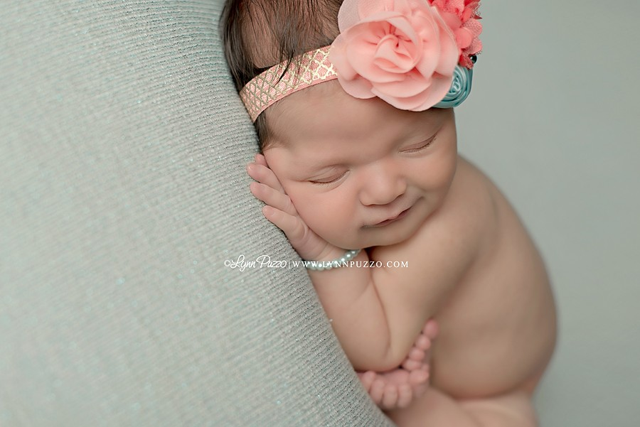newborn baby photographer ct, connecticut newborn photographer, ct newborn photographer, newborn photographer ct, lynn puzzo photography, best newborn photographer ct